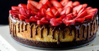 Tarta de queso con fresas