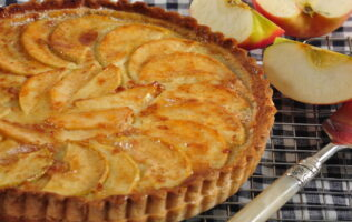 Receta tarta de manzana con hojaldre y crema pastelera