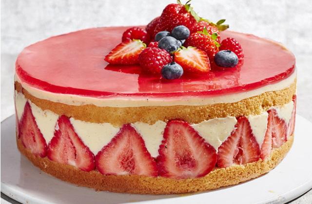 Receta Tarta de nata con fresas