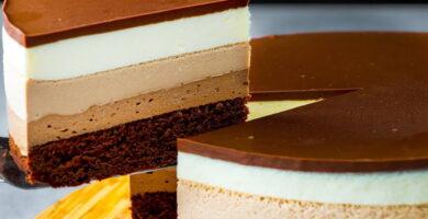 Receta de tarta de tres chocolates en Thermomix